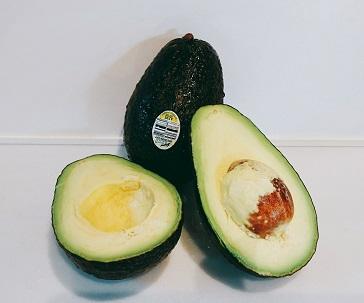 アボカドは健康成分の宝庫!毎朝食べられるなんて幸せですよ