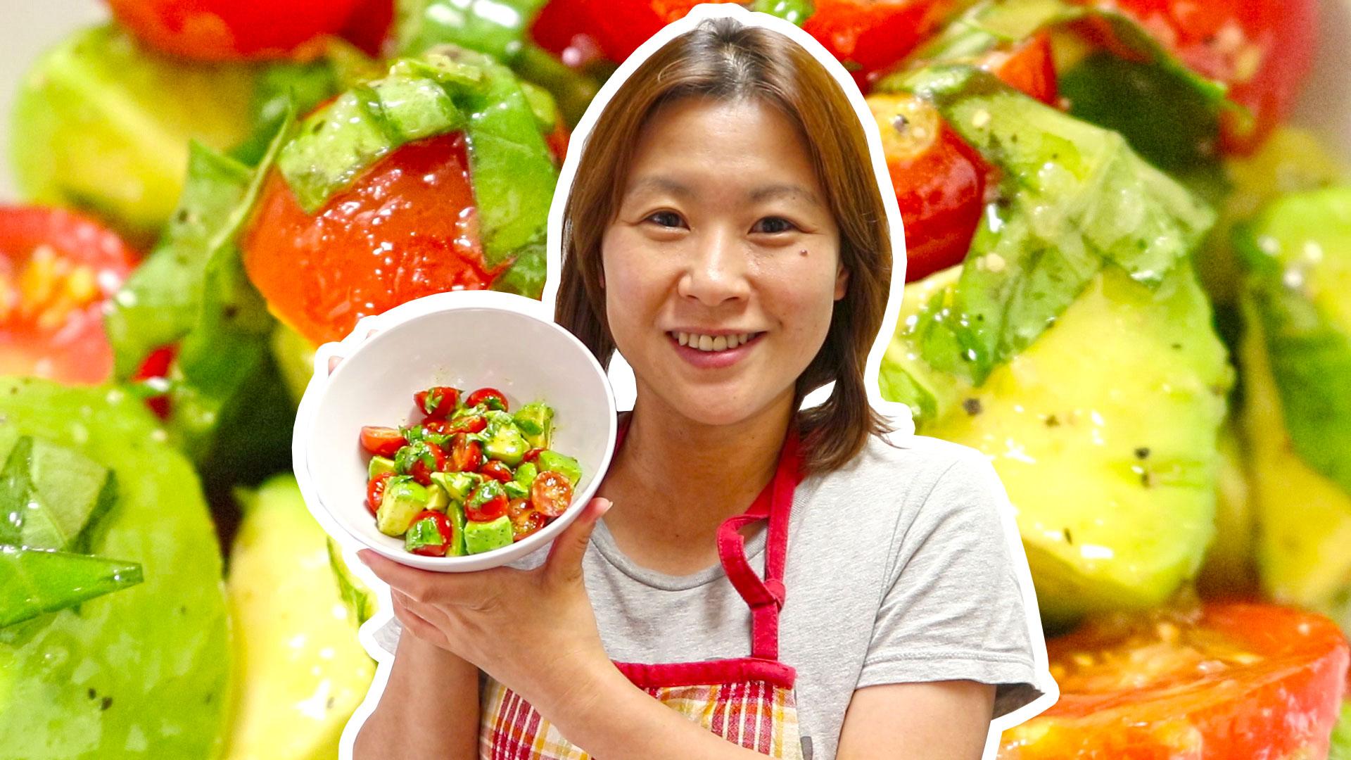 【ダイエットサラダ】アボカドとトマトのオリーブオイルにんにくバジルソースサラダの作り方