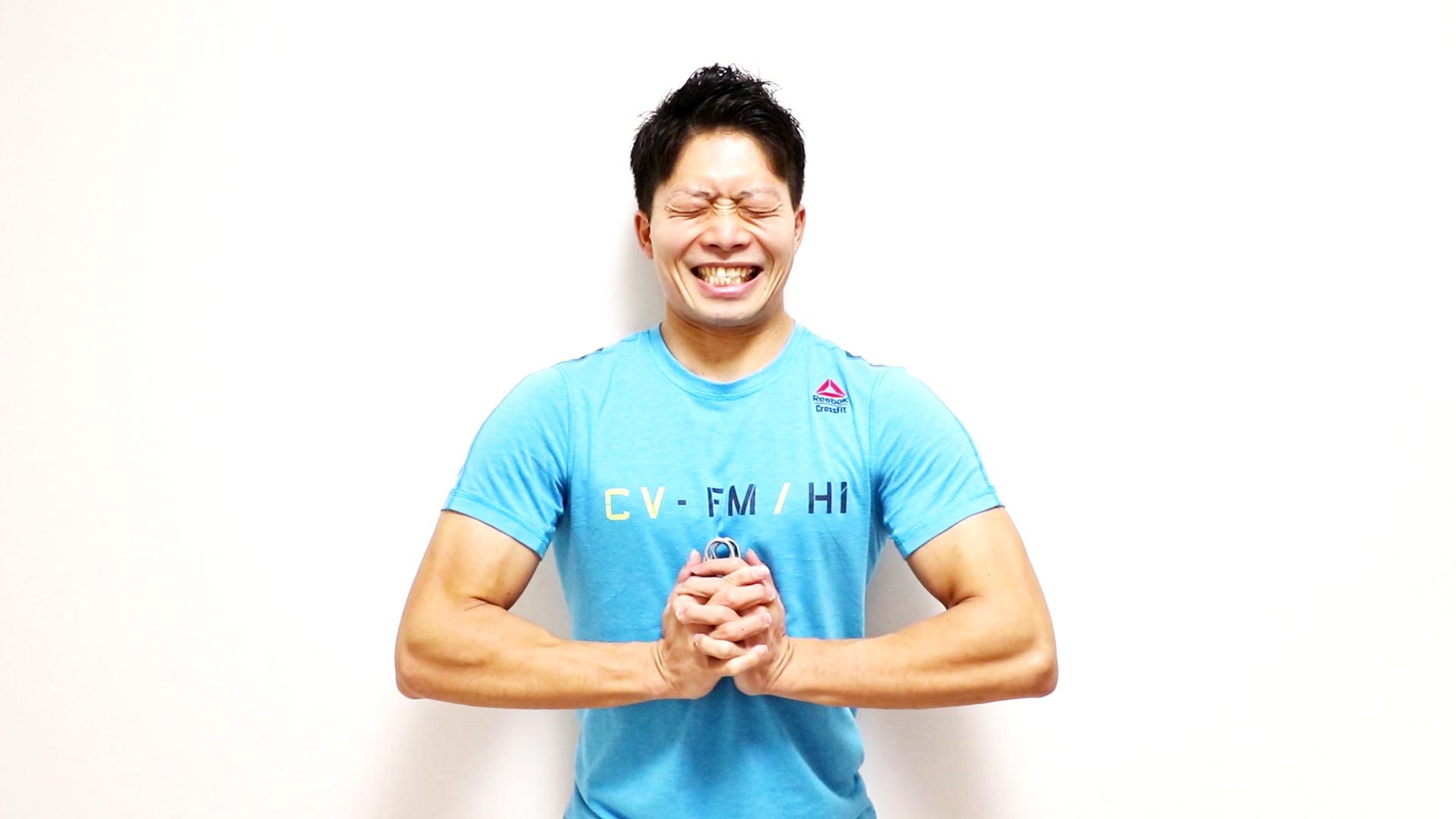 課題:自宅で手軽で効果的な大胸筋のトレーニングは何か?